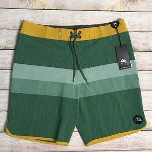 Quicksilver Board Shorts size 34 NWT